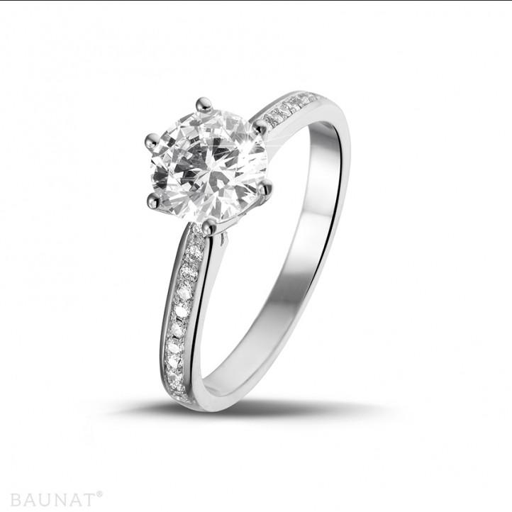 1.25 carats bague diamant solitaire en platine avec diamants sur les