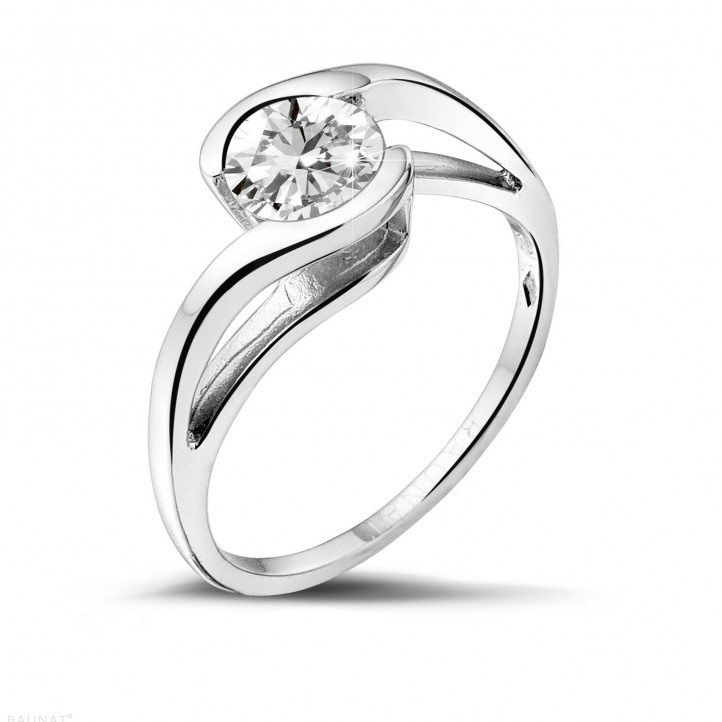 0.70 carats bague solitaire diamant en or blanc
