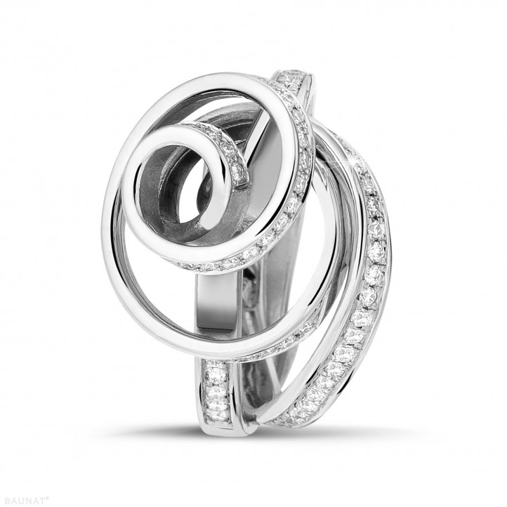 0.85 carat bague design en or blanc et diamants