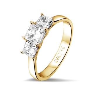 Bagues - 1.05 carat bague trilogie en or jaune et diamants princesses