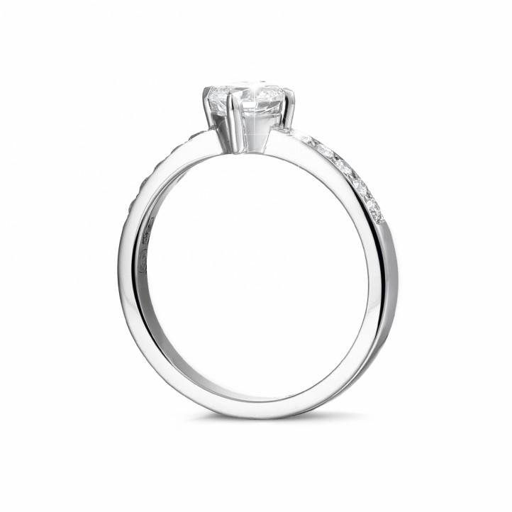 0.50克拉白金單鑽戒指- 戒環密鑲小圓鉆
