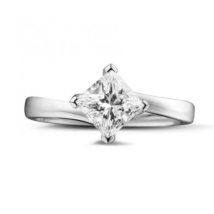 1.00克拉白金戒指,鑲有品質卓越的公主方鑽(D-IF-EX)