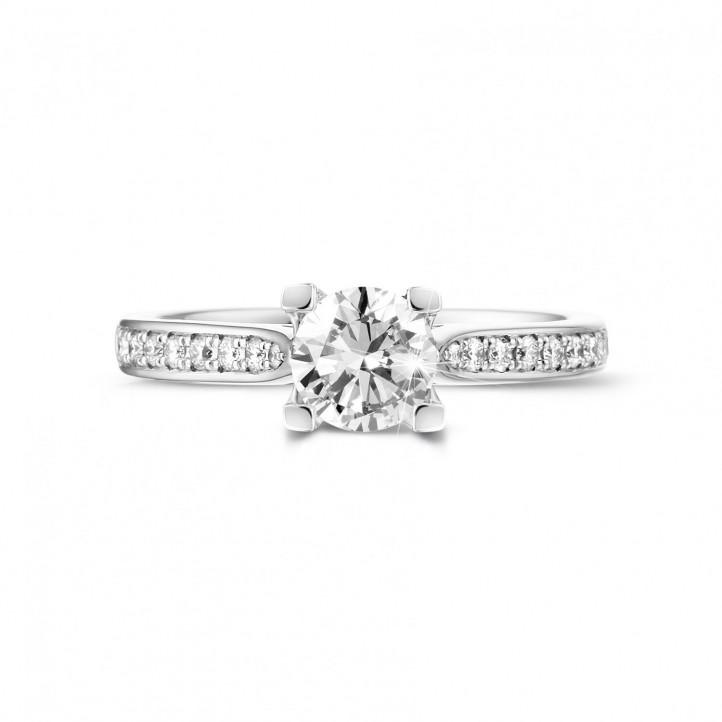 0.75克拉白金單鑽戒指 - 戒托群鑲小鑽