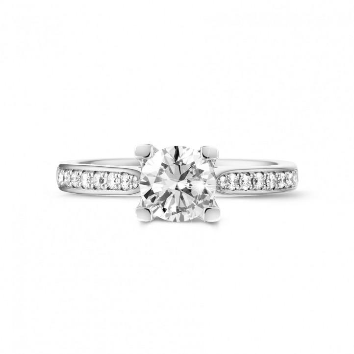 0.90克拉白金單鑽戒指 - 戒托群鑲小鑽