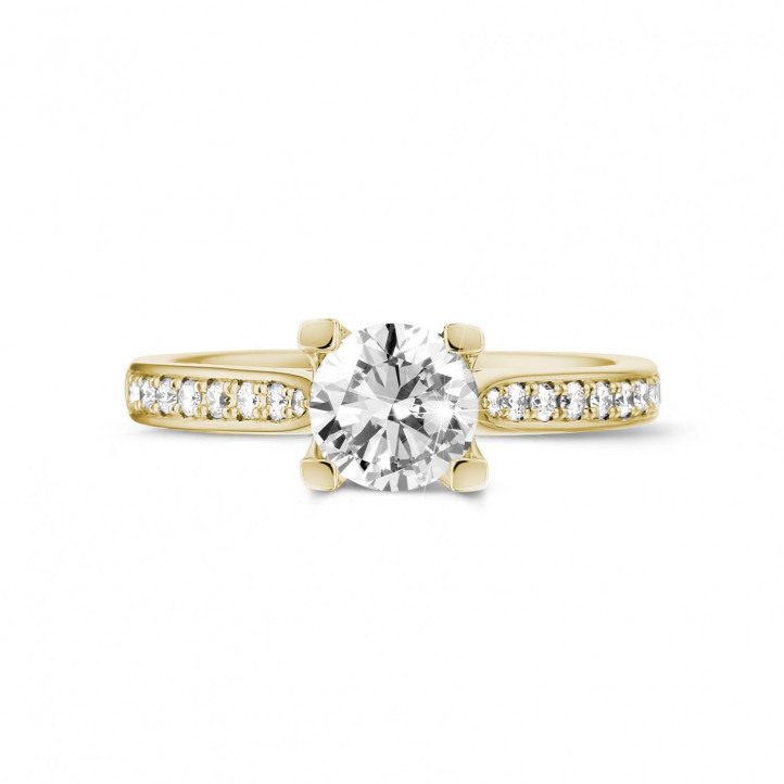 1.00克拉黃金單鑽戒指 - 戒托群鑲小鑽