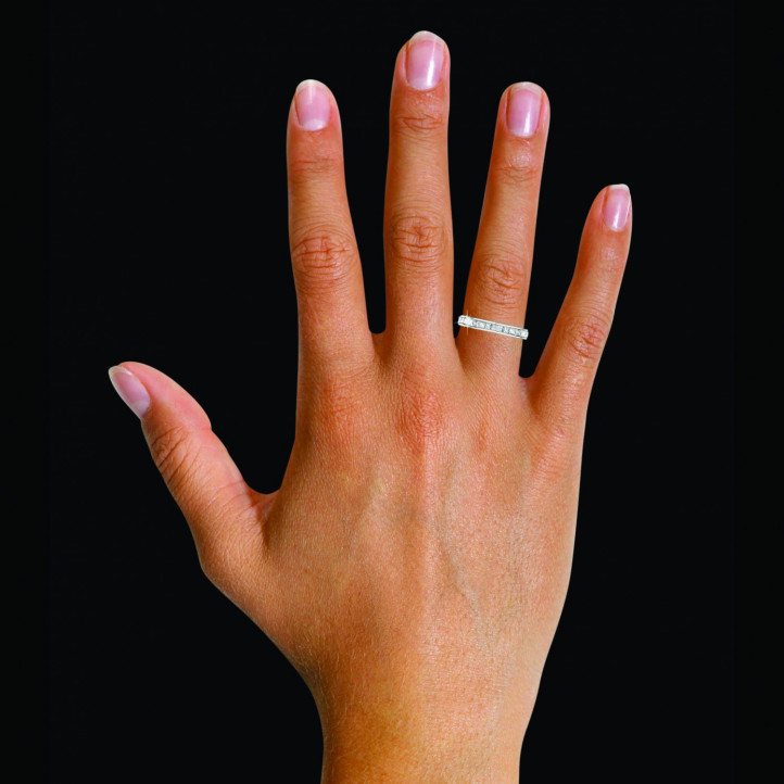 0.90克拉公主方鑽鉑金永恆戒指