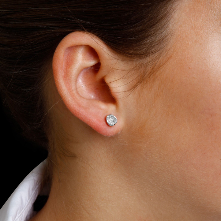 設計系列0.25 克拉白金鑽石耳環
