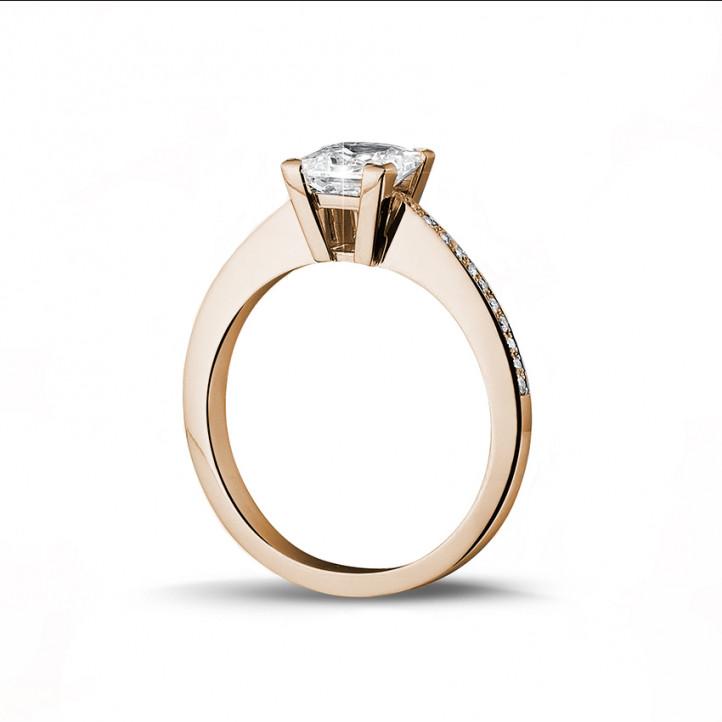 1.50克拉玫瑰金公主方鑽戒指 - 戒托群鑲小鑽