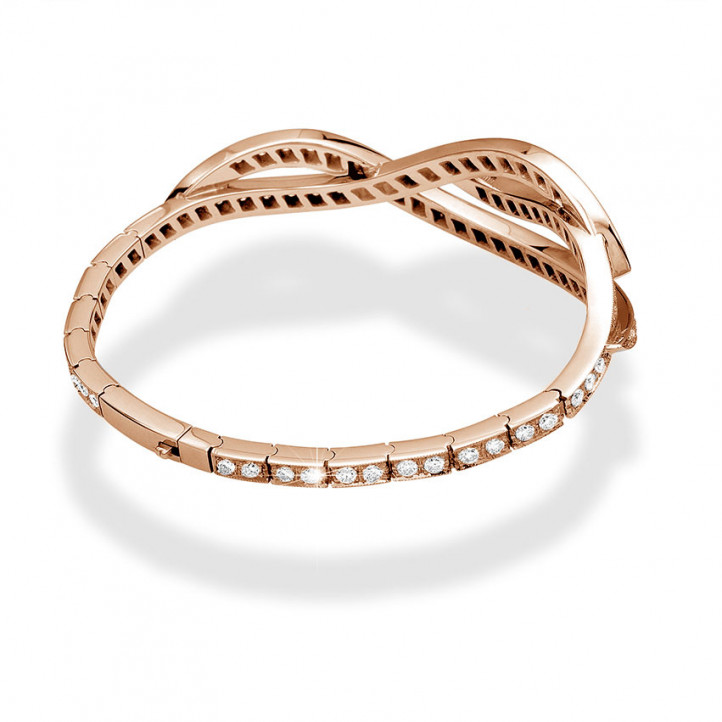 設計系列3.32克拉玫瑰金鑽石手鐲