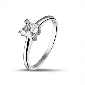 クラシック - 1.00 カラットのプリンセスダイヤモンド付きホワイトゴールドソリテールリング