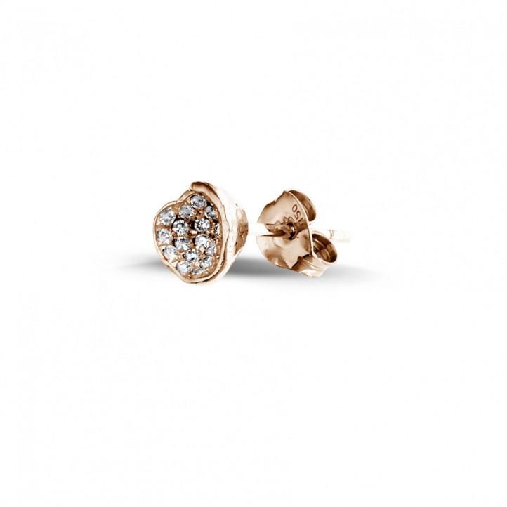 0.25 カラットのピンクゴールドダイヤモンドデザインイヤリング
