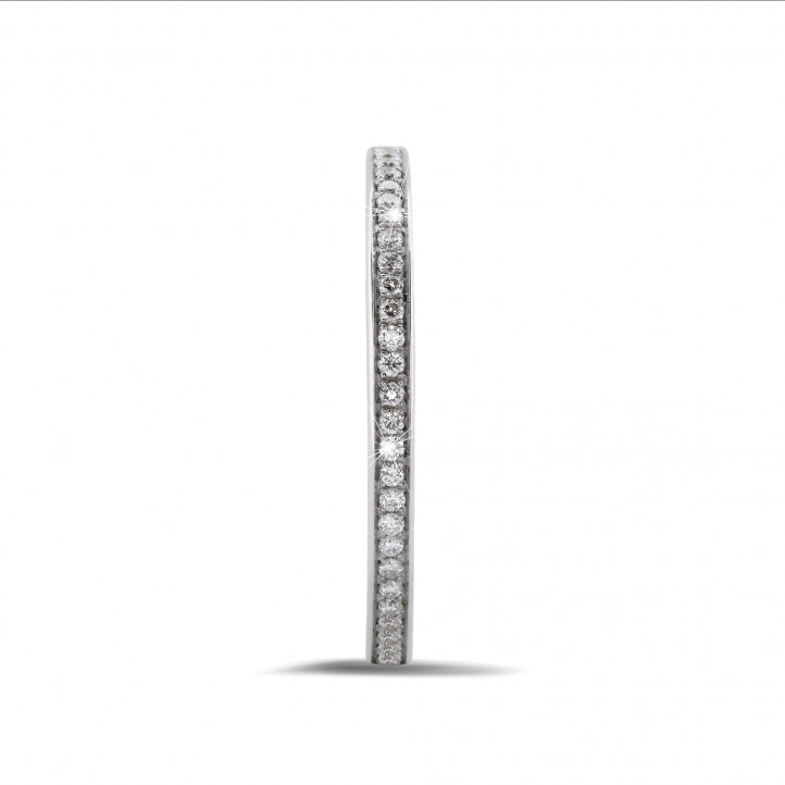 0.22 カラットのホワイトゴールドエタニティリング(フルセット)