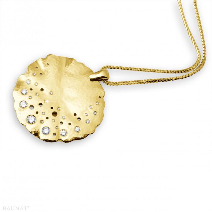 0.46 カラットのイエローゴールドダイヤモンドデザインペンダント