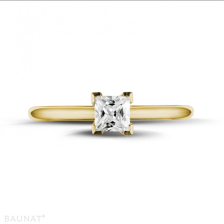 0.50 カラットのプリンセスダイヤモンド付きイエローゴールドソリテールリング