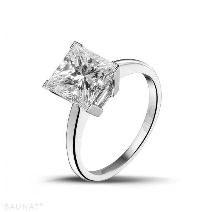 3.00 カラットのプリンセスダイヤモンド付きプラチナソリテールリング