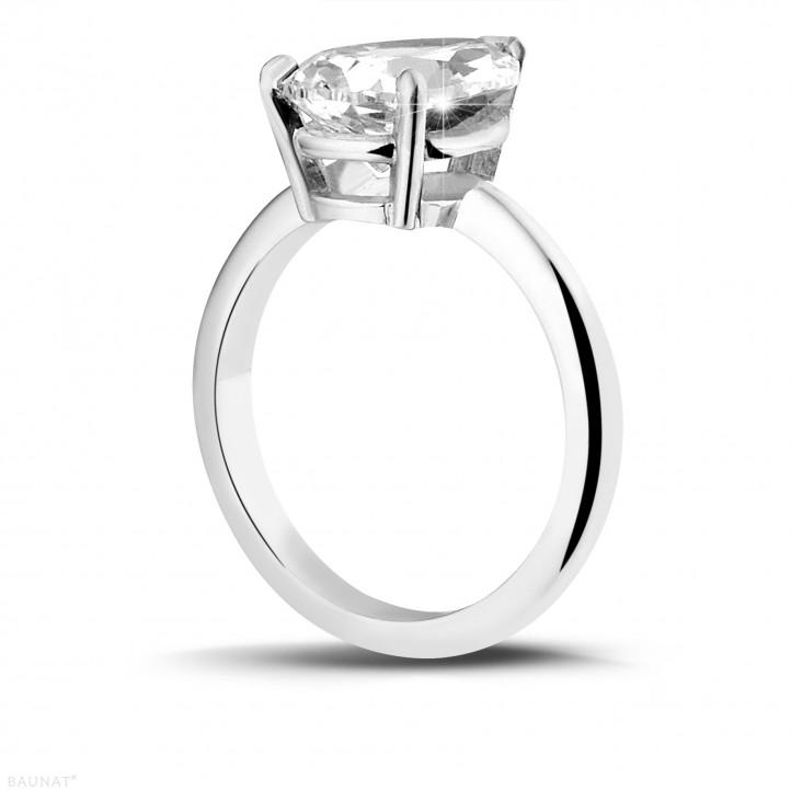 3.00 カラットのペアーシェイプのダイヤモンド付きプラチナソリテールリング