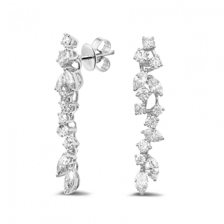 2.70 カラットのラウンドダイヤモンドとマーキスダイヤモンド付きホワイトゴールドイヤリング