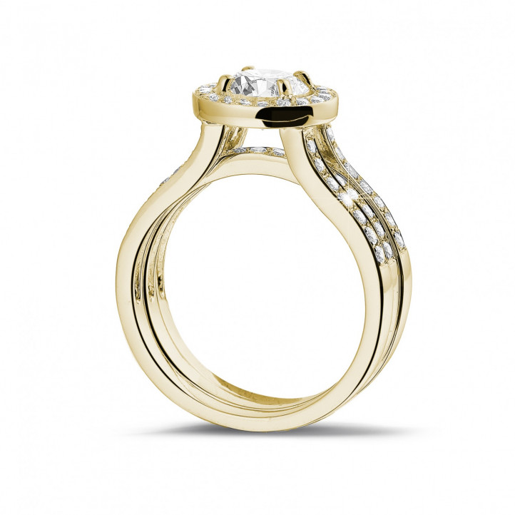 1.00 カラットのサイドダイヤモンド付きイエローゴールドソリテールダイヤモンドリング