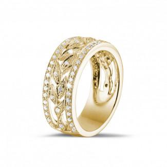 イエローゴールドダイヤモンドリング - 0.35 カラットの小さなラウンドカットダイヤモンド付きイエローゴールドワイドフローラルエタニティリング