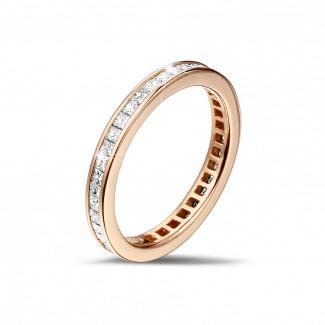 ピンクゴールドのダイヤモンド結婚指輪 - 0.90 カラットの小さなプリンセスダイヤモンド付きピンクゴールドエタニティリング (フルセット)