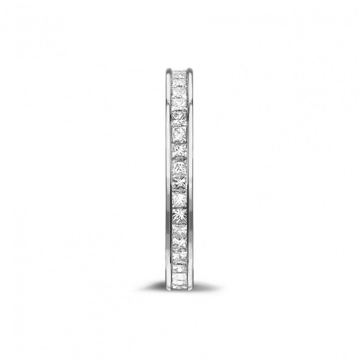 0.90 カラットの小さなプリンセスダイヤモンド付きプラチナエタニティリング (フルセット)