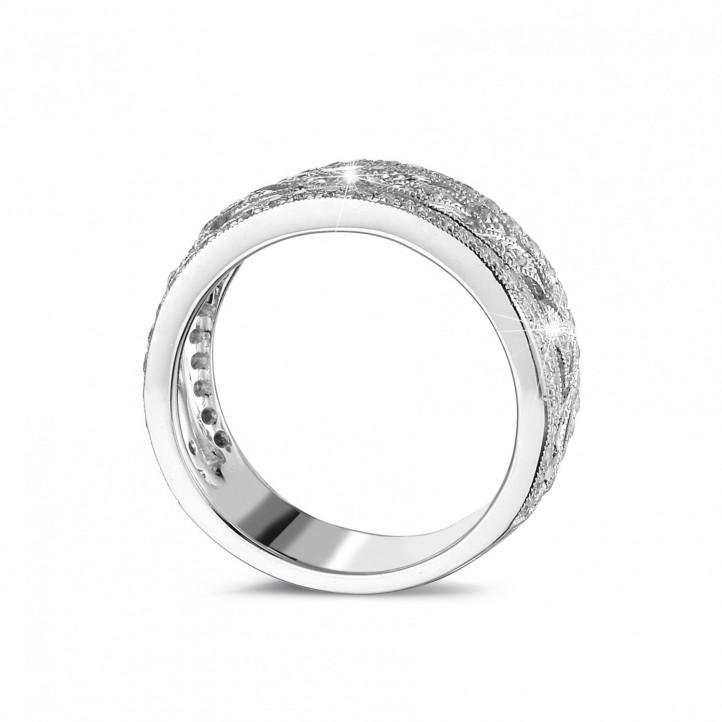 0.35 カラットの小さなラウンドカットダイヤモンド付きプラチナワイドフローラルエタニティリング