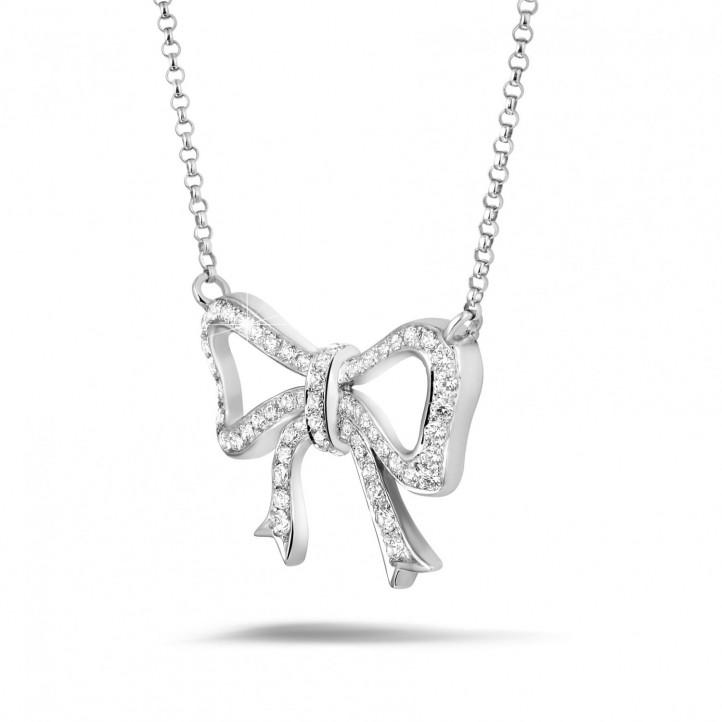 ダイヤモンドリボン付きプラチナネックレス