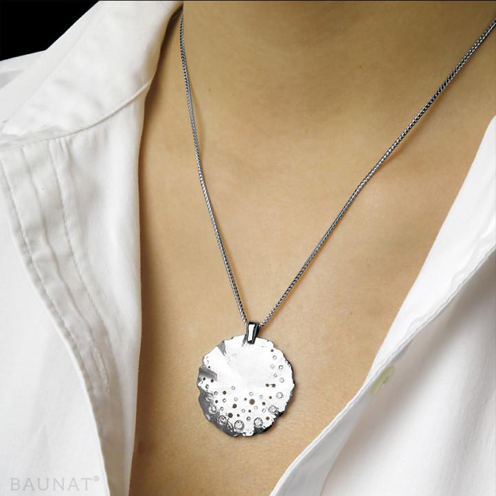 0.46 カラットのプラチダイヤモンドデザインペンダント