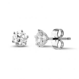 プラチナダイヤモンドイヤリング - 1.00 カラットの6つのプロング付きクラシックプラチナダイヤモンドイヤリング