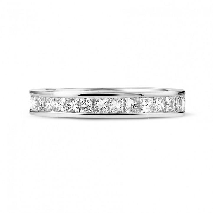 1.75 カラットのプリンセスダイヤモンド付きホワイトゴールドエタニティリング (フルセット)