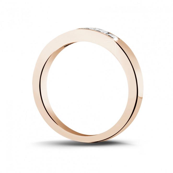 0.50 カラットのプリンセスダイヤモンド付きピンクゴールドエタニティリング