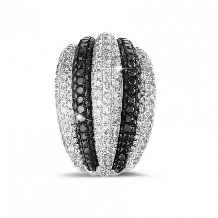 4.30 カラットのブラックとホワイトラウンドダイヤモンド付きプラチナリング