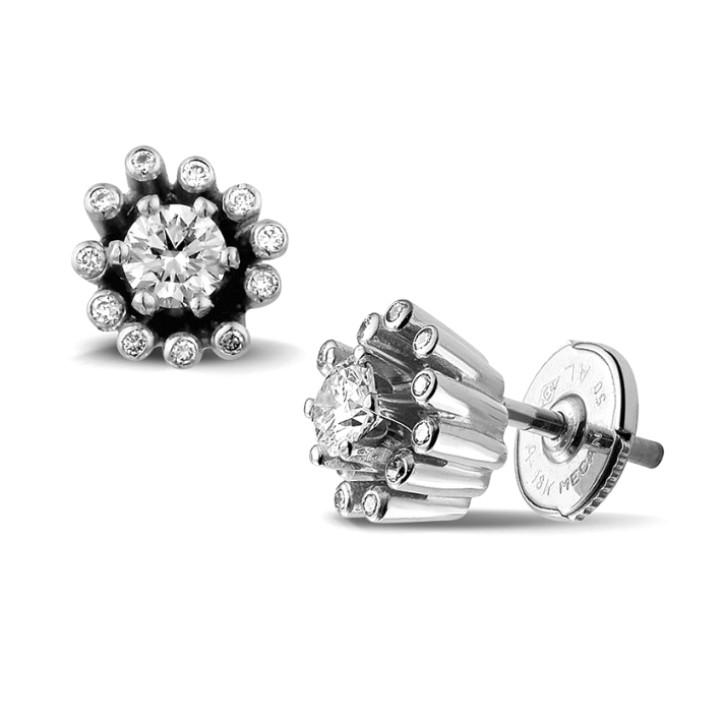 0.50 カラットのホワイトゴールドダイヤモンドデザインイヤリング