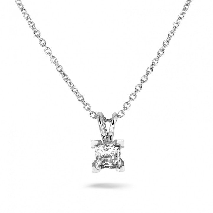 1.00 カラットのプリンセスダイヤモンド付きプラチナソリテールペンダント