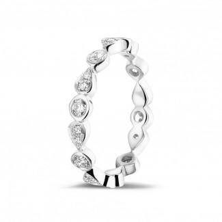 プラチナダイヤモンドリング - 0.50 カラットのペアーデザイン付きプラチナ重ね付けダイヤモンドエタニティリング