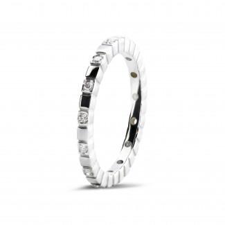 ブリリアント付き結婚指輪 - 0.07 カラットのホワイトゴールドダイヤモンド重ね付けチェッカーリング