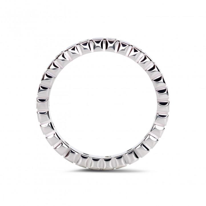 0.07 カラットのホワイトゴールドダイヤモンド重ね付けチェッカーリング