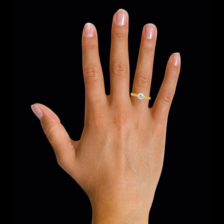 1.00 カラットのイエローサイドダイヤモンド付きイエローゴールドソリテールリング(ハーフセット)
