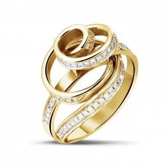 イエローゴールド - 0.85 カラットのイエローゴールドダイヤモンドデザインリング