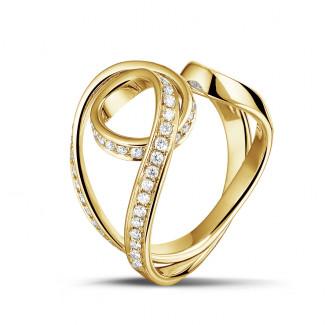 イエローゴールド - 0.55 カラットのイエローゴールドダイヤモンドデザインリング