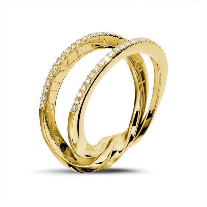 0.26 カラットのイエローゴールドダイヤモンドデザインリング
