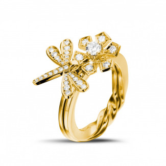 イエローゴールドダイヤモンドリング - 0.55 カラットのイエローゴールドダイヤモンドフラワー&トンボデザインリング