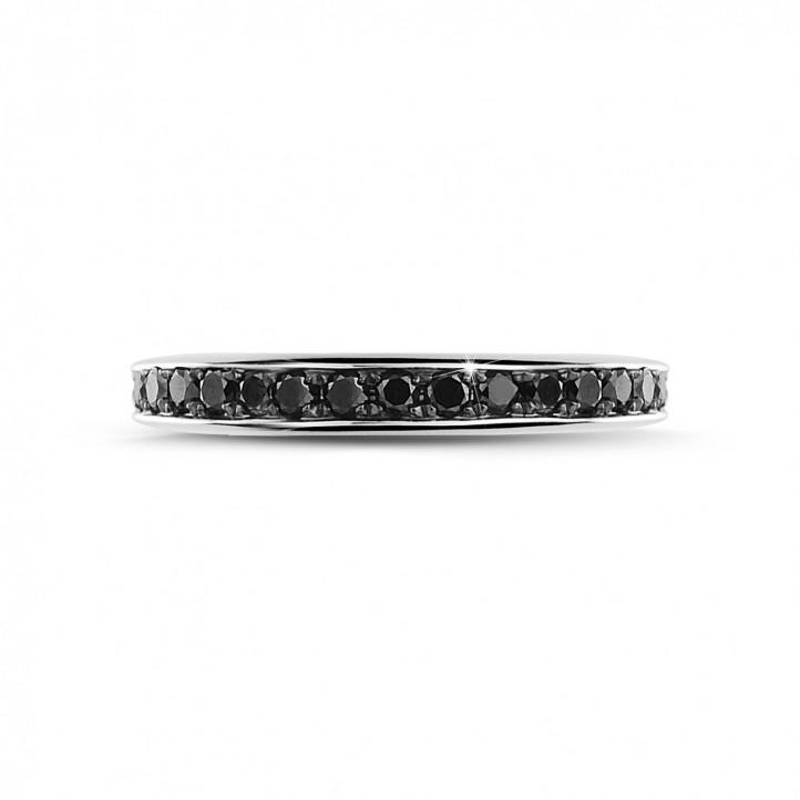 0.68 カラットのブラックダイヤモンド付きホワイトゴールドエタニティリング(フルセット)