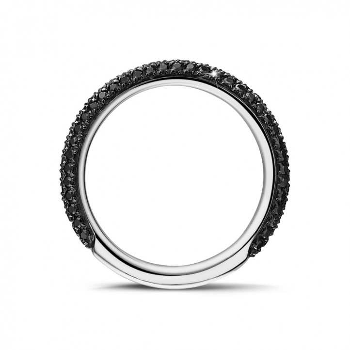 0.65 カラットのブラックダイヤモンド付きホワイトゴールドエタニティリング(ハーフセット)