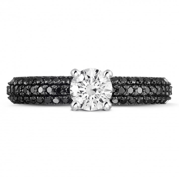 0.50 カラットのブラックダイヤモンド付きホワイトゴールドソリテールリング(フルセット)