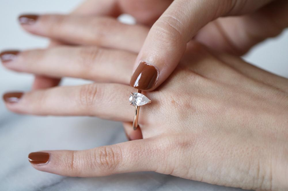 d309e007d6fa Cómo se creó el anillo de compromiso de oro  - BAUNAT