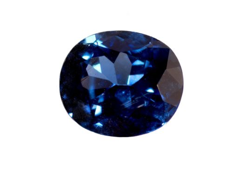 This Australian sapphire has a dark blue shade, which makes it look almost black - BAUNAT.