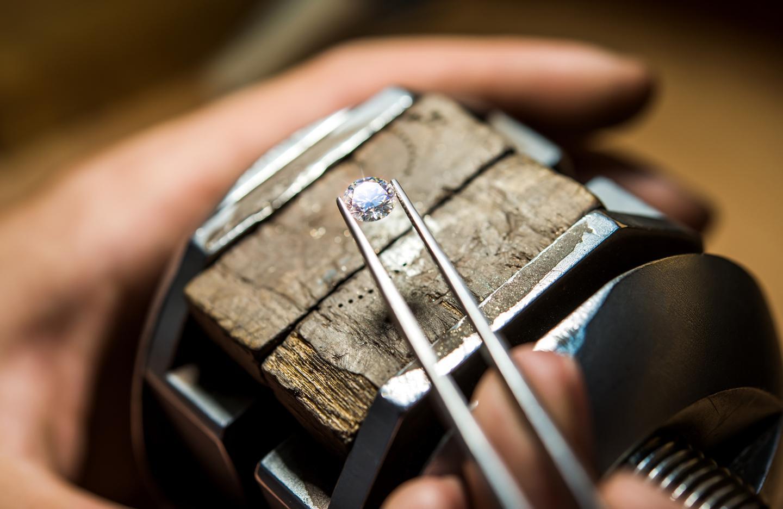 Engagement Ring Origin: The History of De Beers Diamond Jewellers?