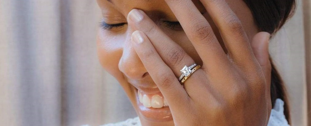 Which elegant engagement ring do I choose?