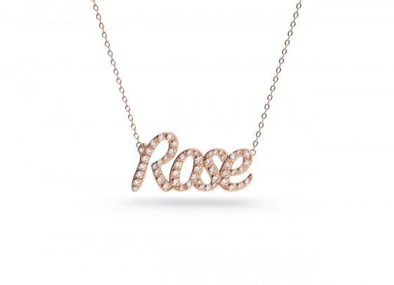 The customized pendant set with diamonds